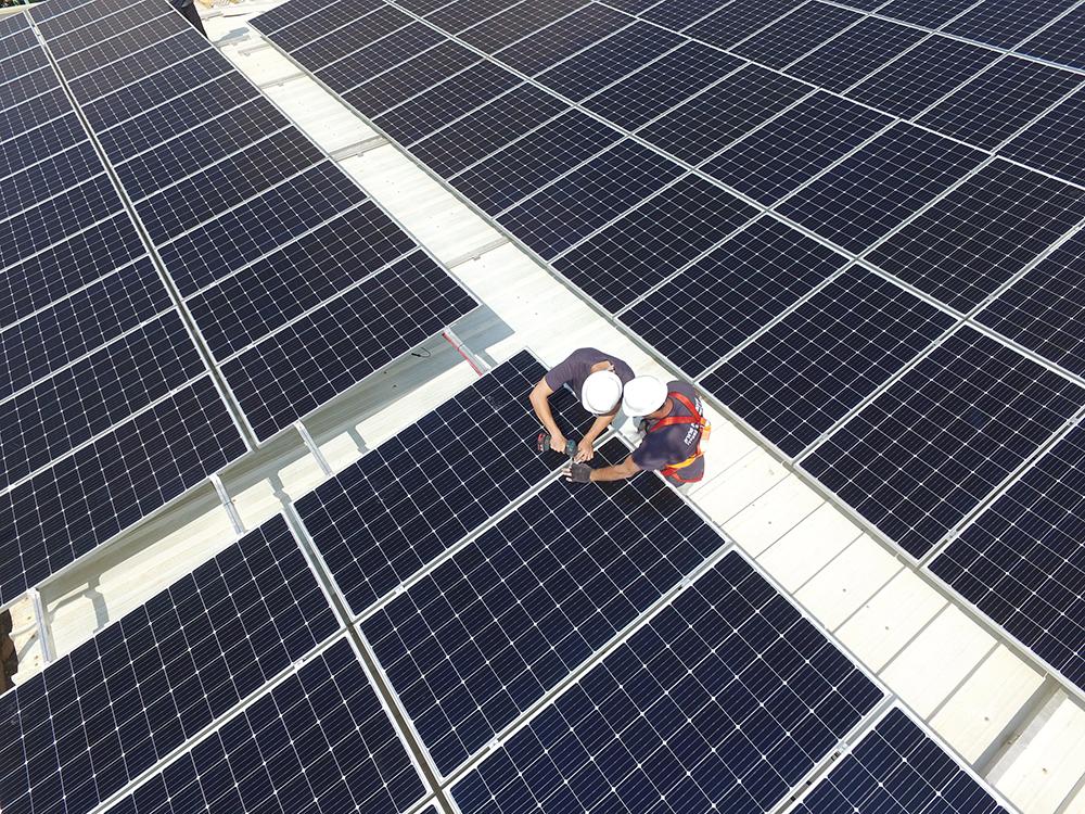 מערכת סולארית באל עאמר