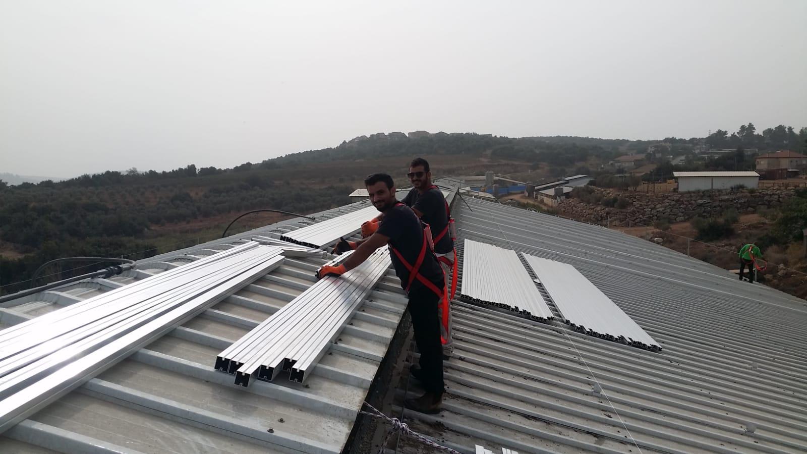 מערכת סולארית בדובב